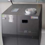 This DSC measures glass transition temperature, melting temperature, peak areas, crystallinaty, and specific heat capacities of various substances.