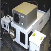 Characterization of photo-luminescent samples at cryogenic temperatures